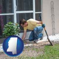 mississippi map icon and a landscape contractor working on a landscaping project