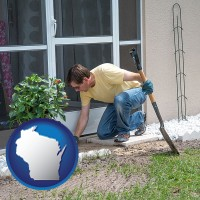 wisconsin map icon and a landscape contractor working on a landscaping project